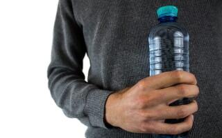 Какая вода помогает от запоров