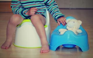 Запоры у детей до 3 лет – причины и симптомы